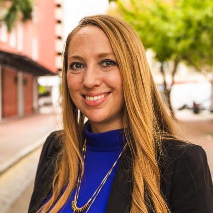 Lisa María Rhodes